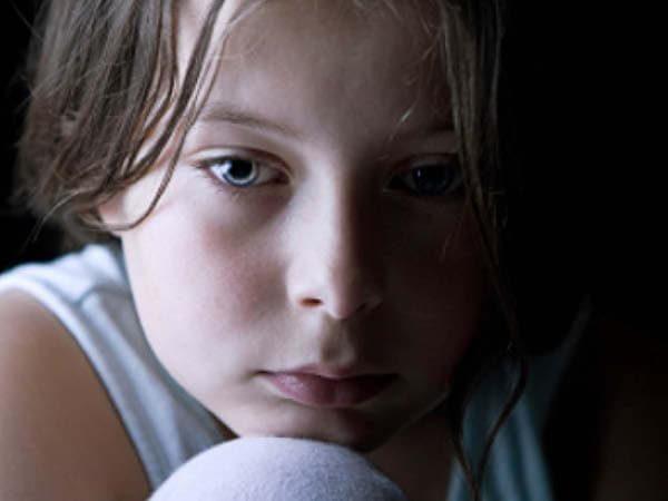 Sådan behandles separationsangst hos børn og unge