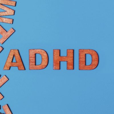 Bliv vejleder i et spritnyt forældretræningsprogram, der hjælper børn med ADHD